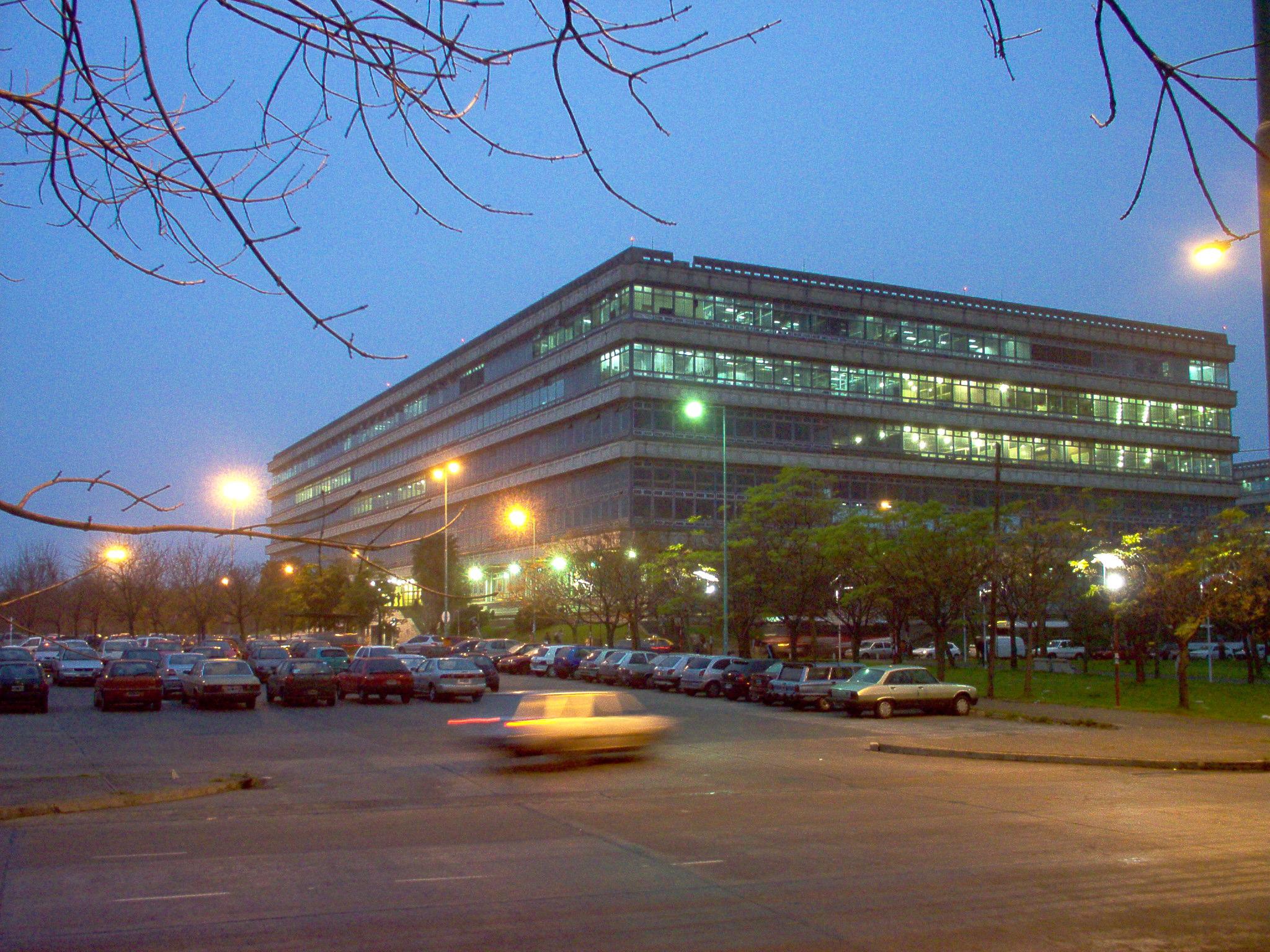 Biblioteca fadu uba becas cpau 2012 for Materias de la carrera arquitectura